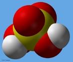 � uma das subst�ncias mais utilizadas nas ind�strias. O maior consumo de �cido sulf�rico se d� na fabrica��o de fertilizantes, como os superfosfatos e o sulfato de am�nio. � ainda utilizado nas ind�strias petroqu�micas, de papel, de corantes etc. e nas baterias de chumbo (baterias de autom�veis). <br/><br/> Palavras-chave: �cido sulf�rico. Mol�cula. �cido. Fun��es qu�micas.