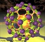 Molécula com 60 átomos de carbono. Buckyball foi nomeado após Richard Buckminster Fuller, um modelador observou arquitetônico que popularizou o domo geodésico. O buckminsterfullerenes tem uma forma semelhante a esse tipo de cúpula, o nome foi pensado apropriado.  À medida que a descoberta da família fulereno veio depois buckminsterfullerene, 'fulereno' o nome abreviado é utilizado para se referir à família dos fulerenos. O sufixo &quot;eno&quot; indica que cada átomo de C está covalentemente ligado a três outros (em vez de um máximo de quatro), uma situação que classicamente corresponderia à existência de ligações que envolvem dois pares de electrões (&quot;&quot; ligações duplas).  <br/><br/> Palavras-chave: Química do carbono. Buckyball. Molécula.