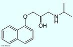 Propanolol é um fármaco anti-hipertensivo indicado para o tratamento e prevenção do infarto do miocárdio, da angina e de arritmias cardíacas. Pode ser utilizado associado ou não à outros medicamentos para o tratamento da hipertensão. É um bloqueador-beta adrenérgico. Fórmula molecular C16H21NO2. Massa molar 259,34 g/mol. Nomenclatura IUPAC (sistemática) (RS)-1-(isopropylamino)-3-(naphthalen-1-yloxy)propan-2-ol <br/><br/> Palavras-chave: Propanolol. Medicamentos. Química orgânica. Doping.