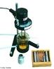 Viscos�metro rotativo anal�gico, amplamente utilizado para medir viscosidade de graxas, tintas, ra��es, medicamentos, �leos, cosm�ticos, pl�sticos, alimentos, argilas, mat�rias primas, colas, etc. Nessas medi��es a termostatiza��o das amostras � essencial, bem como a uniformidade da temperatura. <br/><br/> Palavras-chave: Viscos�metro. Equipamentos de laborat�rio. An�lise qu�mica.