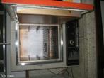 Equipamento utilizado no laboratório para secar vidraria. <br/><br/> Palavras-chave: Estufa. Equipamento de laboratório. Laboratório de química.