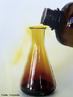 Ilustra��o de uma rea��o qu�mica em progresso com libera��o de g�s em um erlenmeyer. <br/><br/> Palavras-chave: Rea��o qu�mica. Erlenmeyer. Laborat�rio de qu�mica.